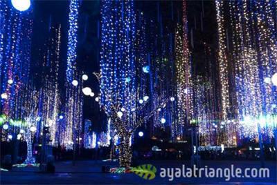 Ayala Triangle Lights and Sounds show