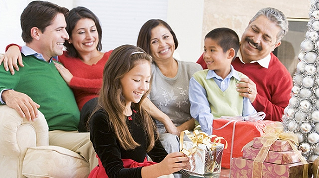 6 Ways We Make Christmas More Meaningful for Our Kids