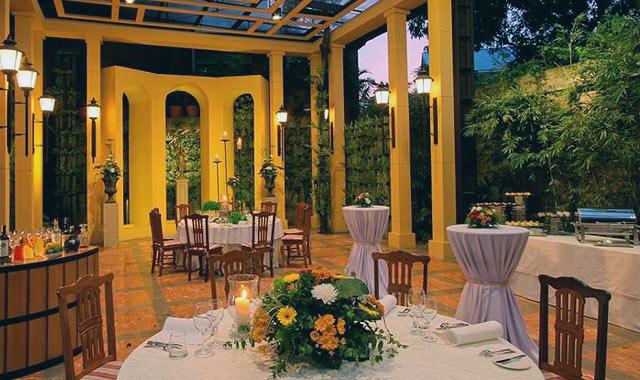 Lemuria gourmet restaurant wedding