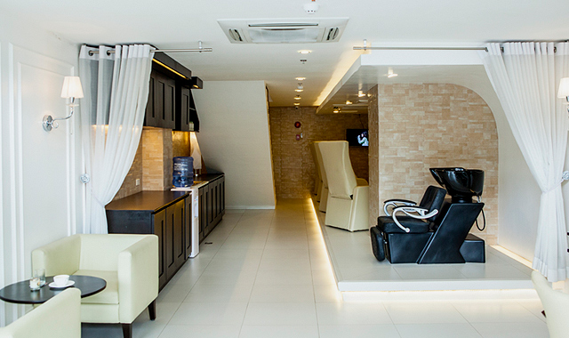 10 great nail salons in manila for perfect squad relaxation. Black Bedroom Furniture Sets. Home Design Ideas
