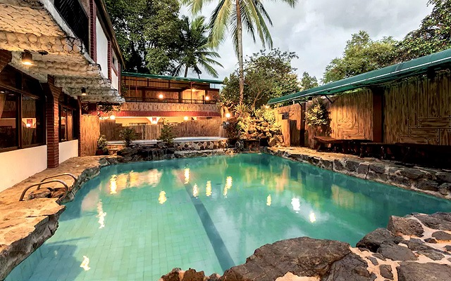 AirBnB with Swimming Pool