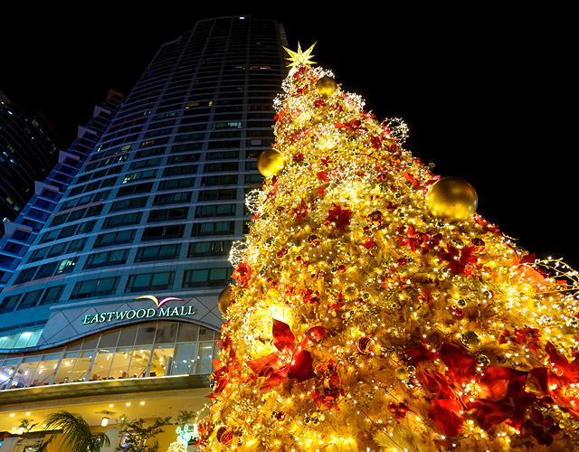 Most Gorgeous Christmas Trees In Manila
