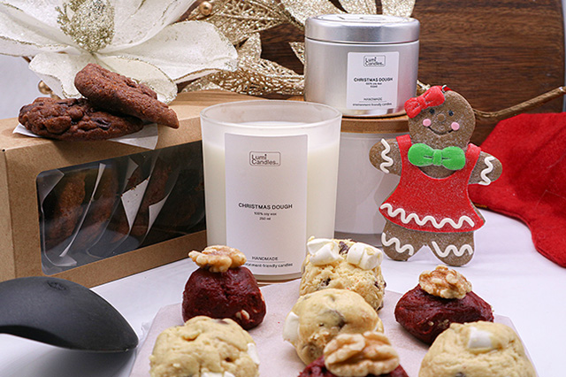 Holiday-Themed Scented Candles