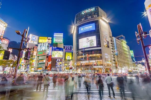 The typical Shibuya Crossing scene