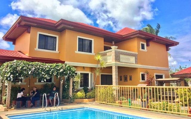 Tagaytay Cabin: Tagaytay Villa Adelle