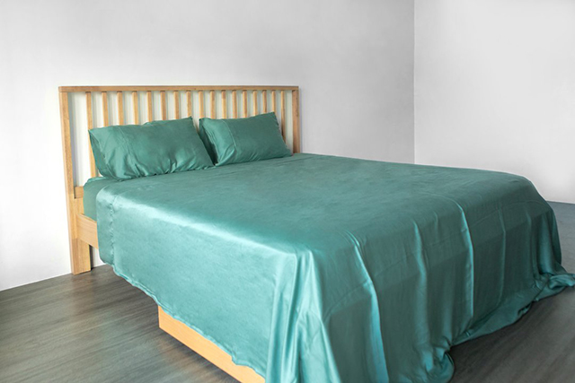 Silky bed sheets and pillow cases: