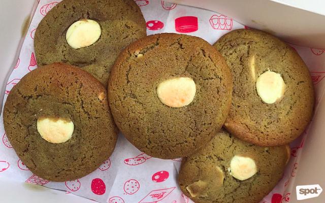 Ben Cookies Matcha & White Chocolate Chunk