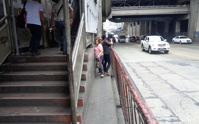 EDSA places with poor urban planning: Ortigas MRT Station Sidewalk, Northbound