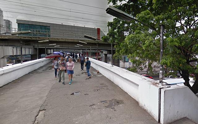 EDSA places with poor urban planning: Starmall Footbridge