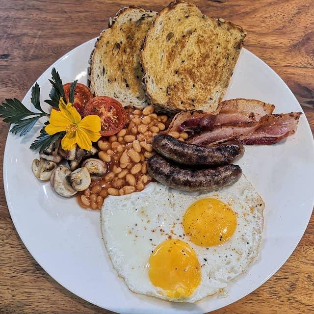 Farmer's Table menu: Full English breakfast
