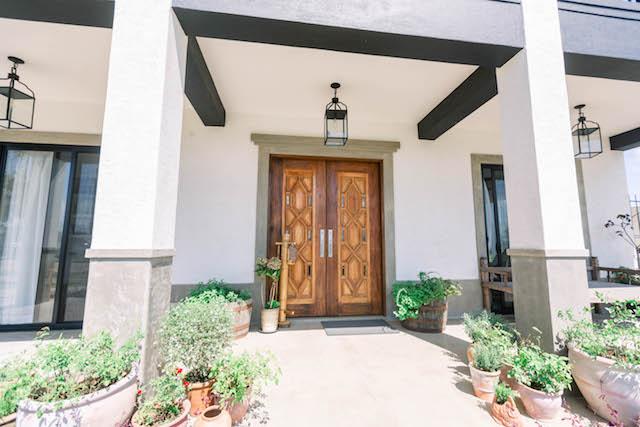 Presello house double door serves as decor pieces