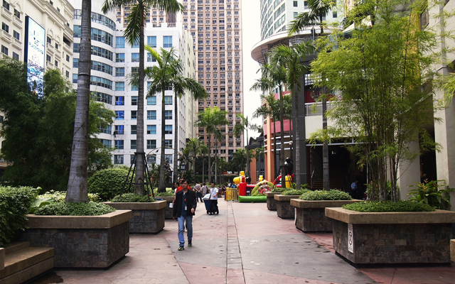 Eastwood City open spaces