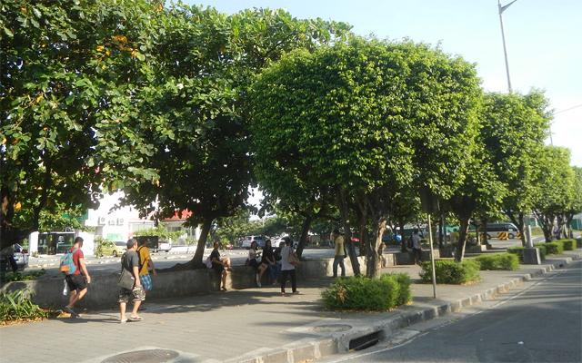 Filinvest City in Muntinlupa sidewalks
