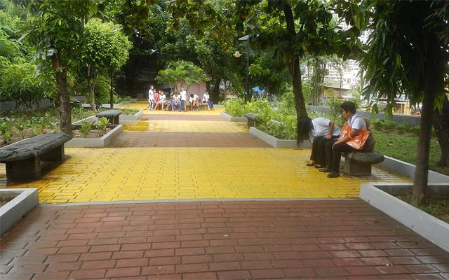 Poblacion in Makati walkway