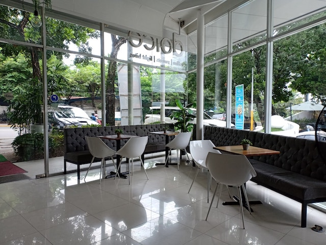 Dolce Cafe outdoor area view
