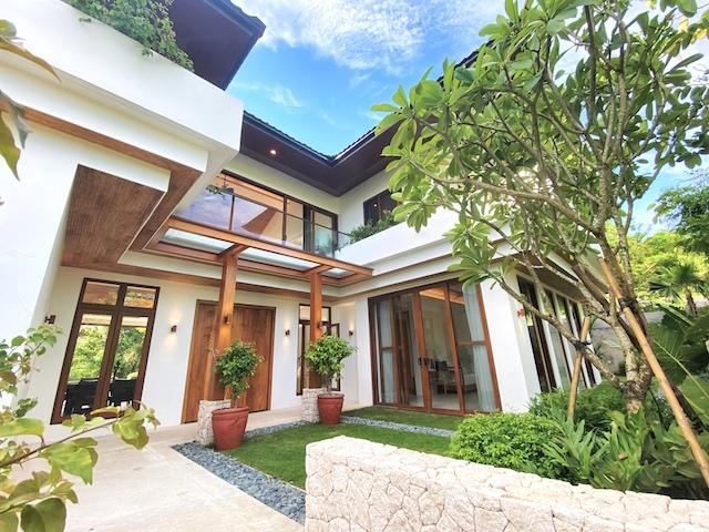 Presello House: Balai Tropicale facade