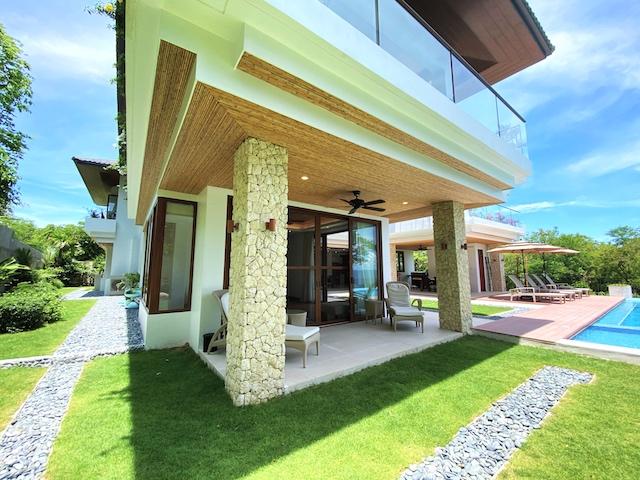 Presello House: Balai Tropicale has a natural limestone cladding