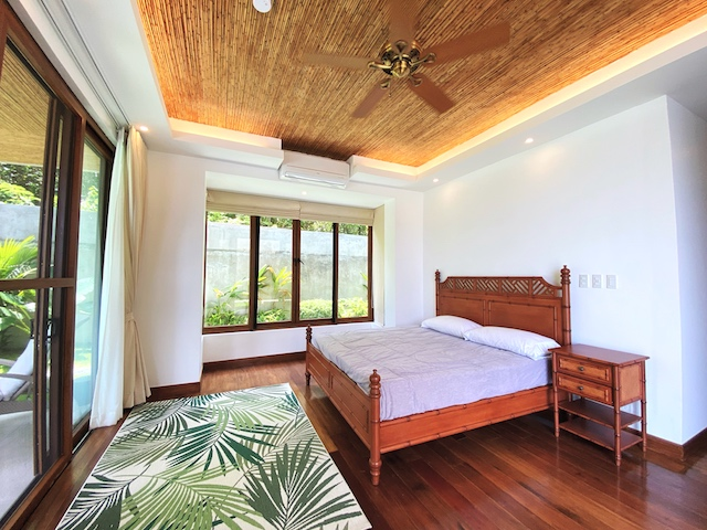 Presello House: Balai Tropicale's bedrooms have tanguile wood flooring