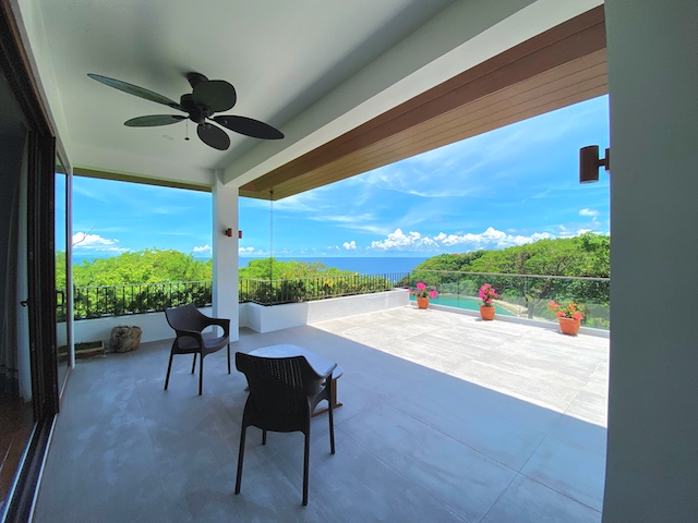 Presello House: Balai Tropicale's balcony