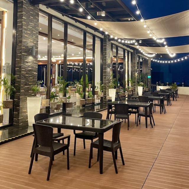 Oakridge Horizons Café