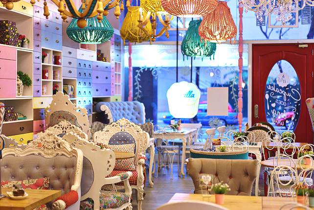 10 Cute Coffee Shops For Winding Down