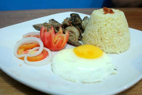 sinangag-station-food