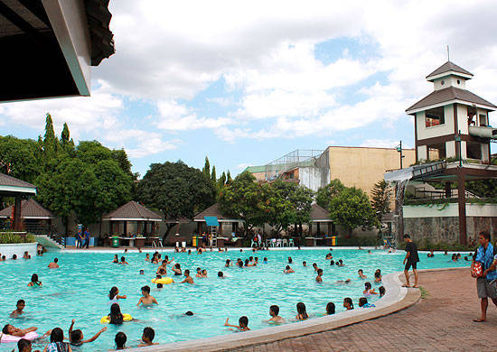 the best public swimming pools in metro manila