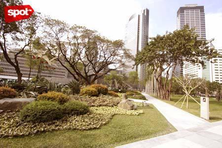 Ayala Triangle Gardens