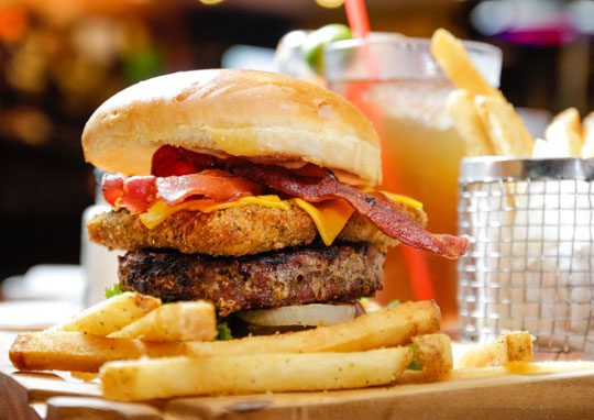 T.G.I.Friday's Special Bacon Mozzarella Burger with Fries
