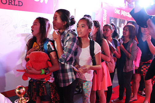 Meet the first batch of Filipino One Direction fans inside 1D World!
