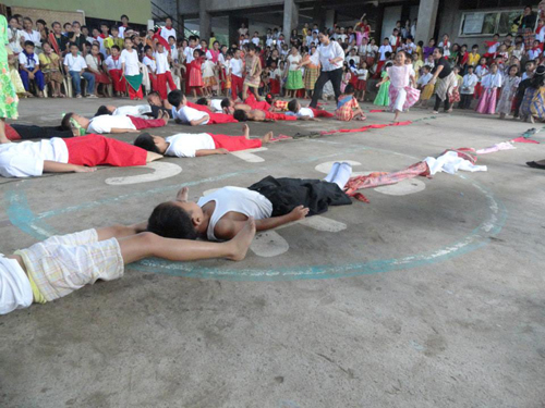 Pinoy Children's Party Game: Longest Line