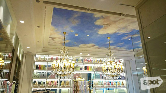 Laduree Manila Interior