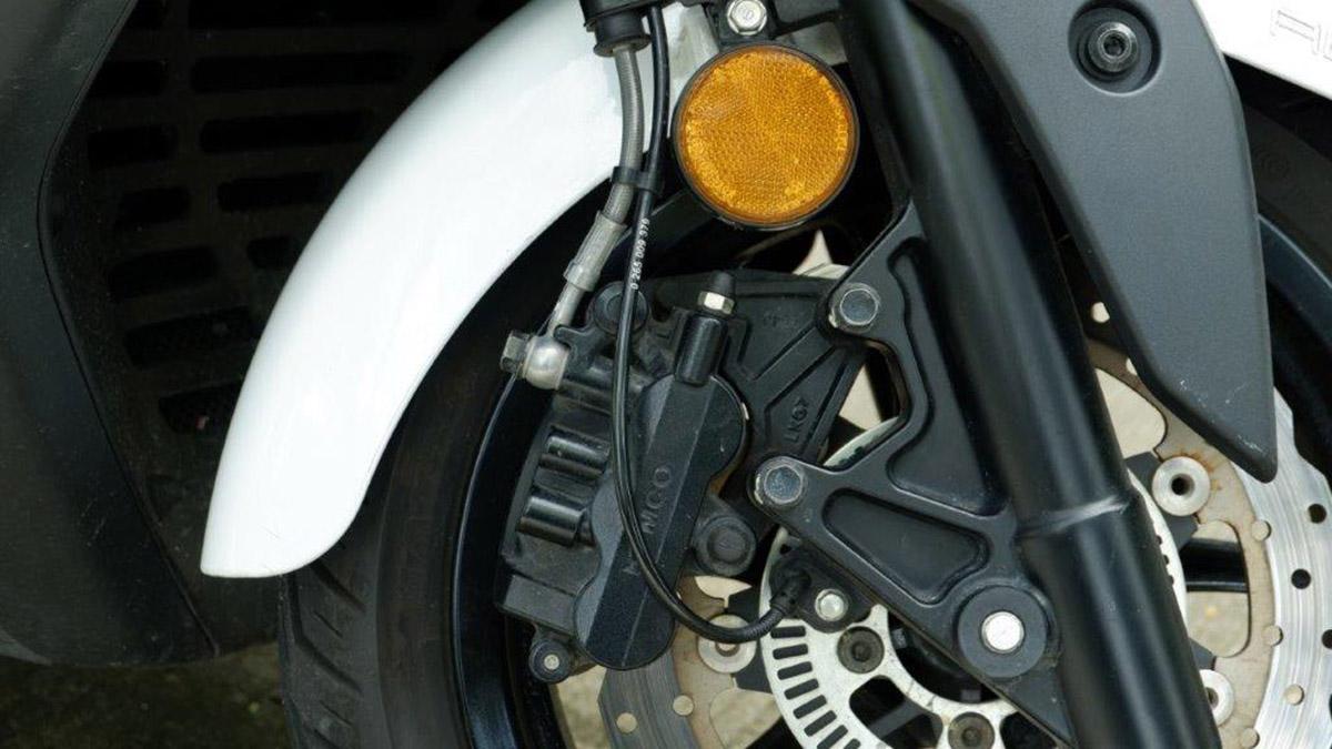 Kymco X-Town CT 300i ABS Disc Brakes