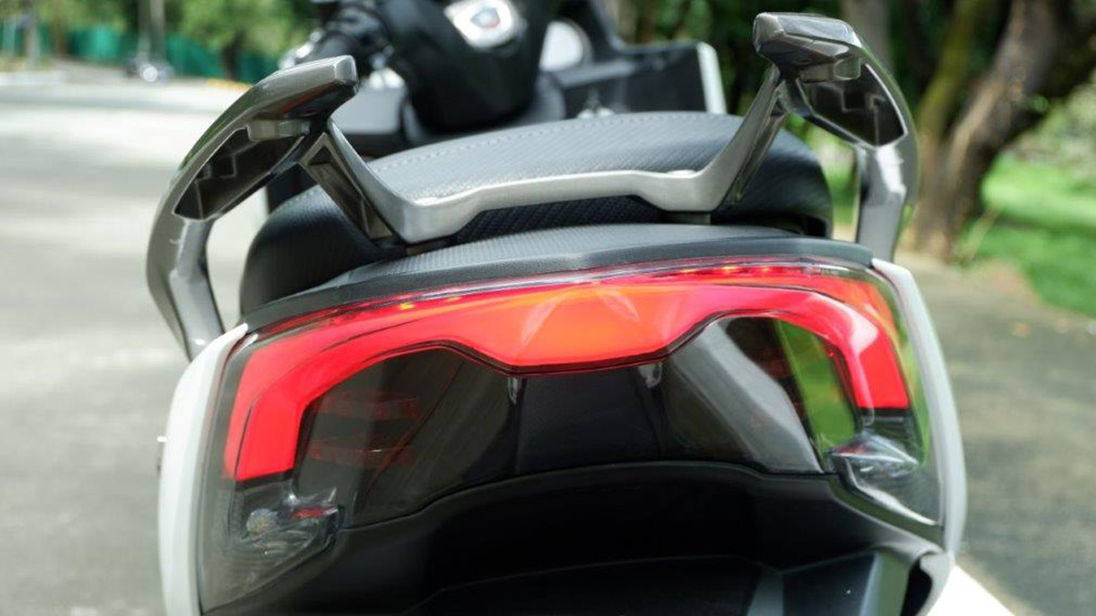 Kymco X-Town CT 300i Taillights