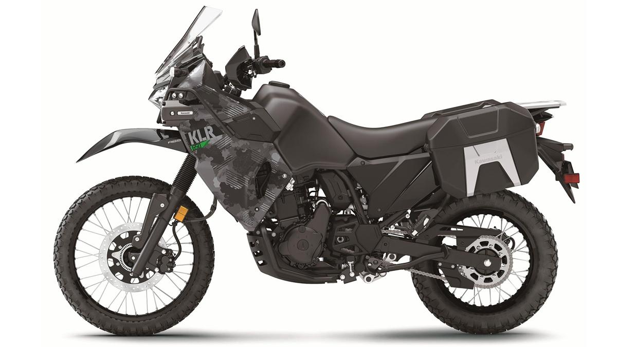 Black Kawasaki KLR650