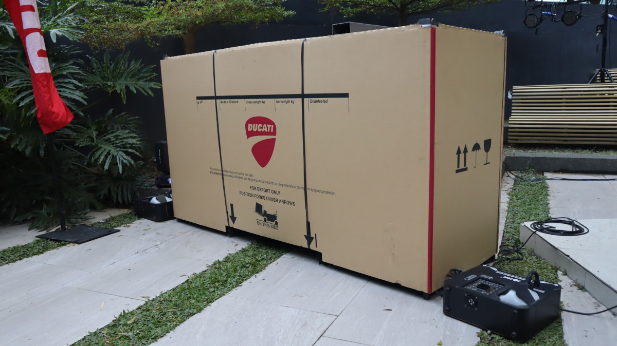 Ducati Multistrada V4 with Box