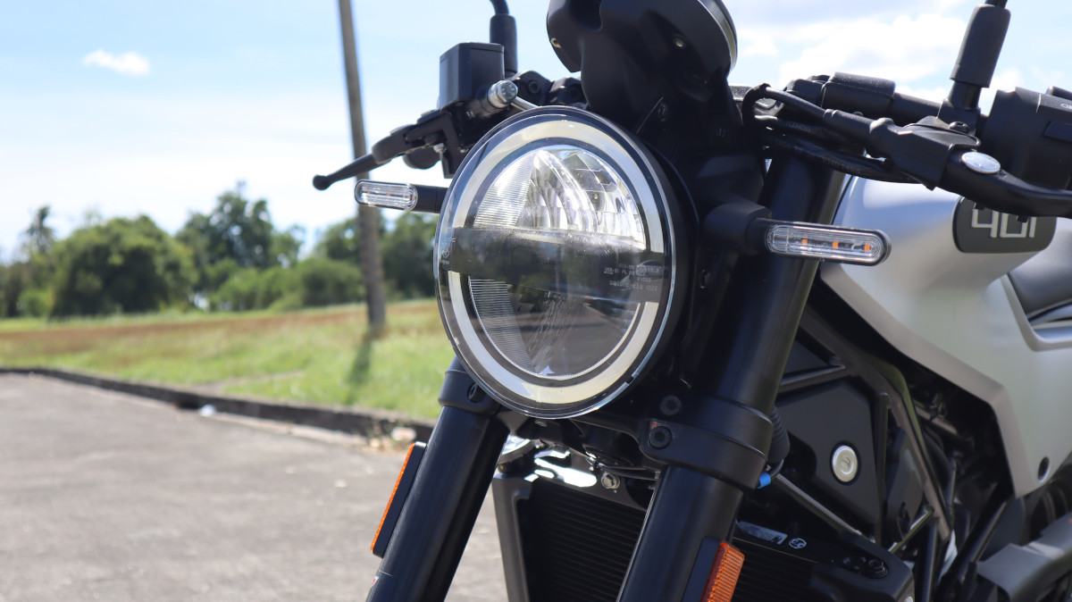 Husqvarna Vitpilen 401 Headlight