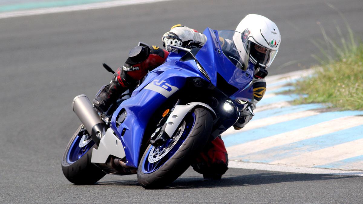 Man riding the Yamaha YZF-R6