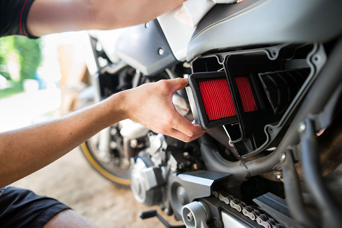 Motorcycle maintenance - Cleaning or changing the air filter