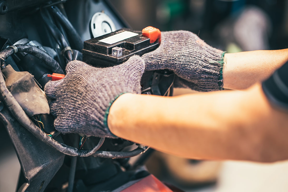 Motorcycle maintenance - Charging your battery