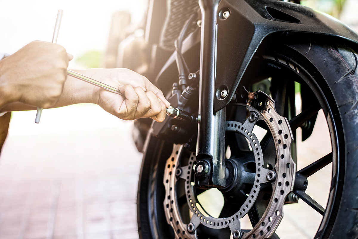 Motorcycle maintenance - Maintaining your brakes