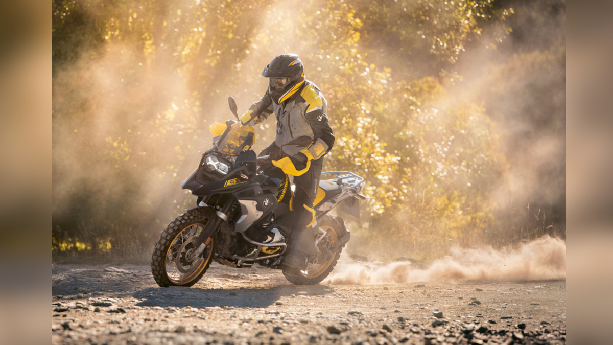 Man riding the BMW R100 GS