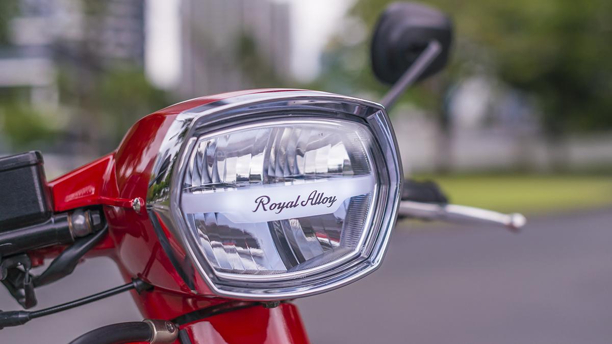 2021 Royal Alloy GP300S Headlamp