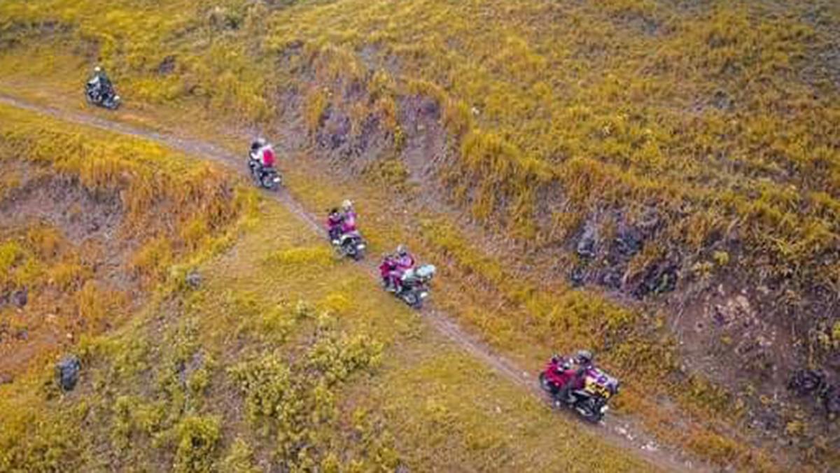 moto camping trail ride