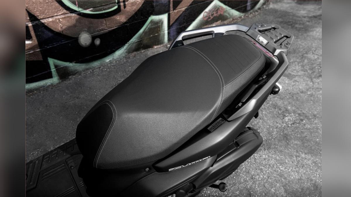 2022 Yamaha Zuma 125 Saddle