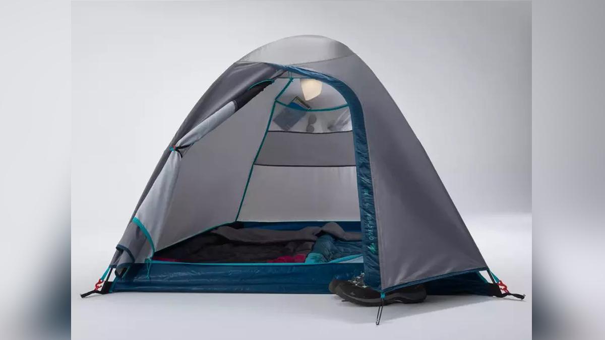 Moto camping essentials: Quechua MH100-2 MAN tent