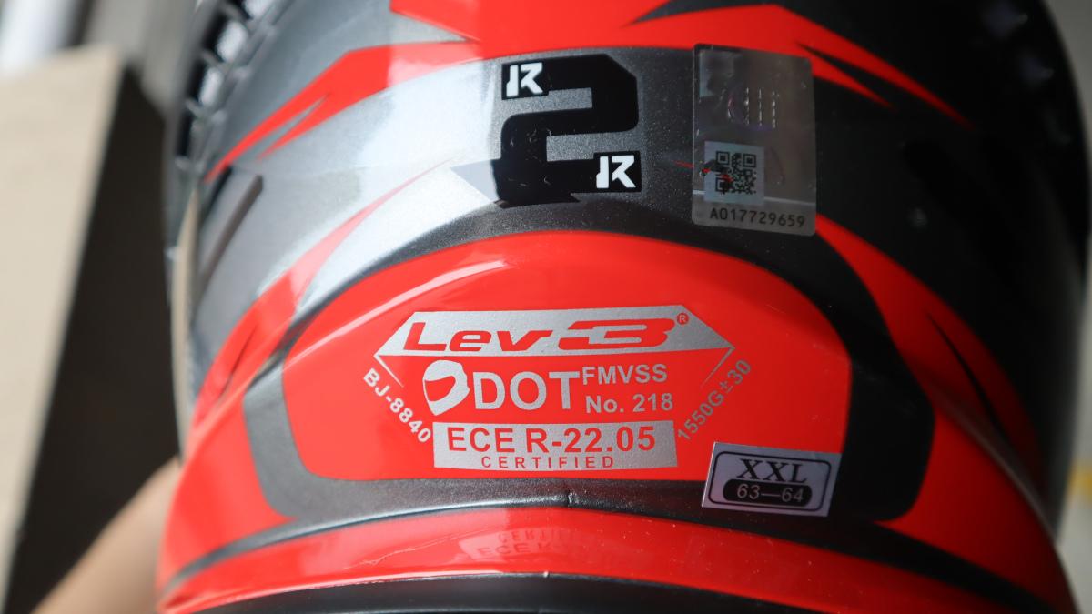 Lev3 BJ-8840 off-road helmet safety rating