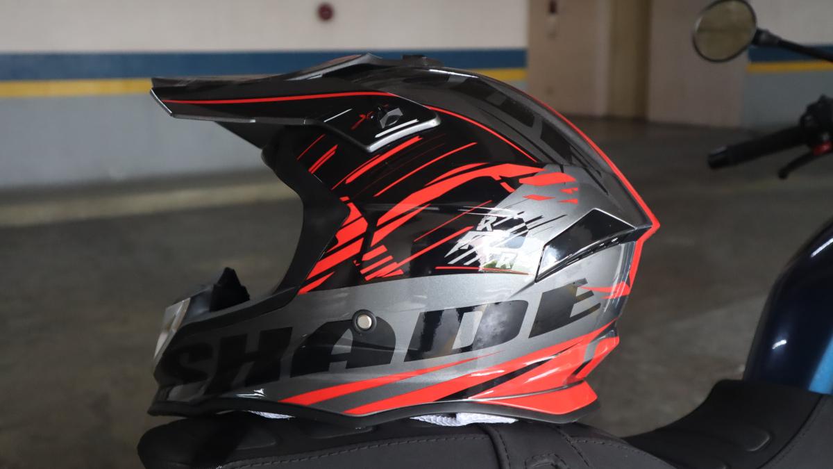 Lev3 BJ-8840 off-road helmet