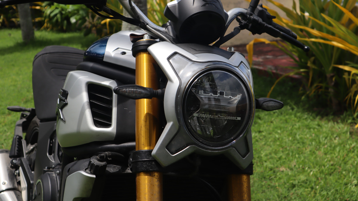 2021 CFMoto 700 CL-X Heritage leans into the neo-retro scrambler/naked bike aesthetic