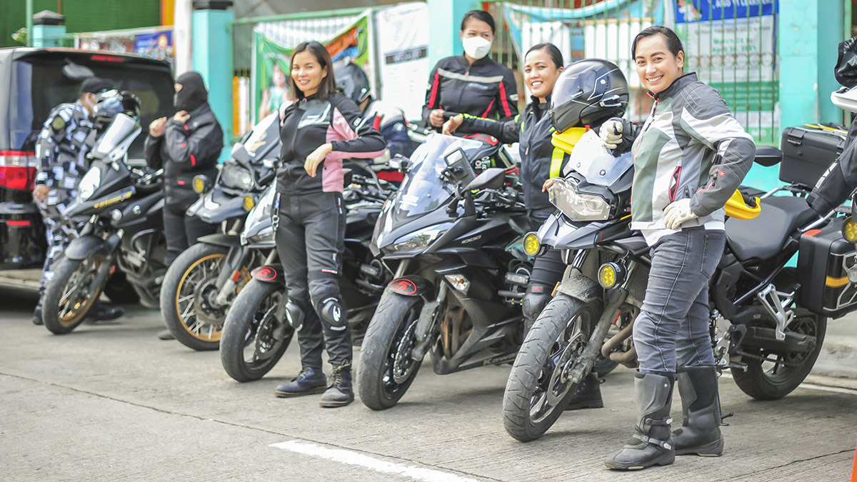 Helen Durante and the PSG Lady Riders